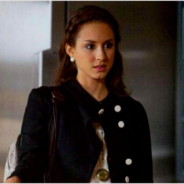 Spencer...could do my hair like this for the PLL party!