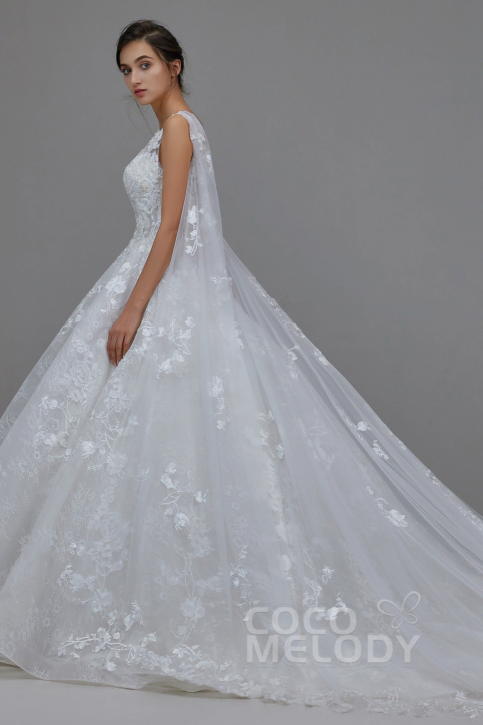 [ USD 999 ] Charming Natural Cathedral Train Lace Wedding
