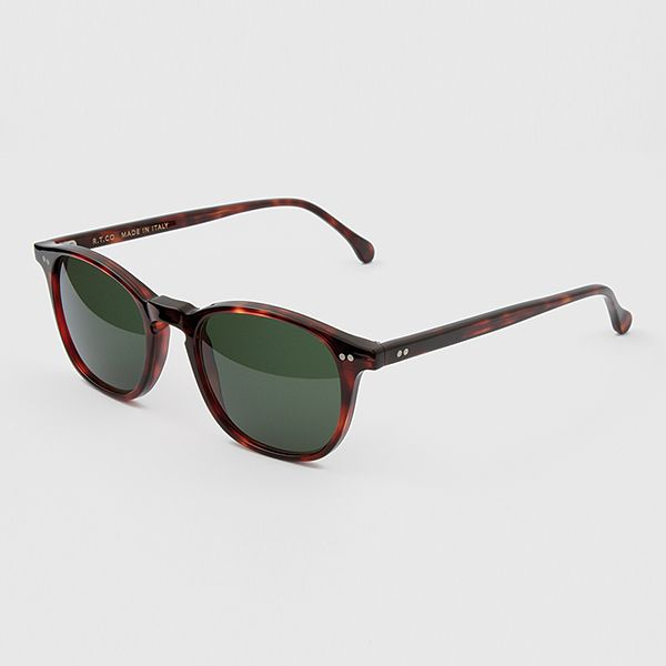 R.T.CO Phoebe 49 - Slightly edgy model, with an overall thin frame, keyhole