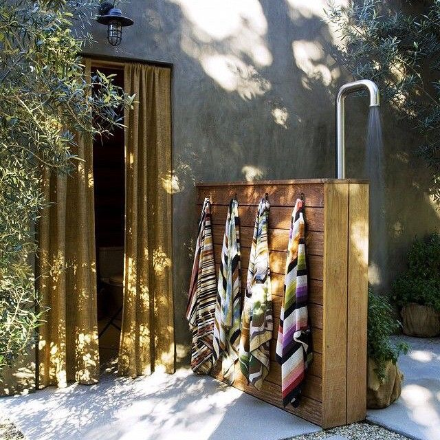 If only Melbourne was warm enough!!!! Longing for Summer (via Alexander Design) #outdoorshower#shower#thegreatoutdoors#interiorinspo #interiorstyling #interiordesign by scrapbookofstyle