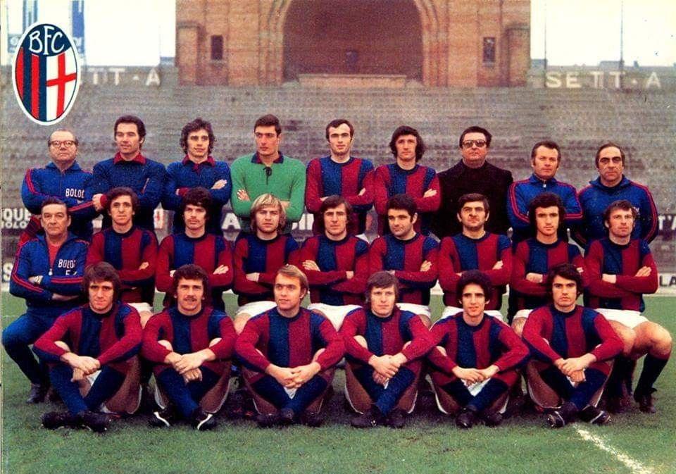 BOLOGNA 1972-1973 Prima fila in piedi da sn. Massg ...