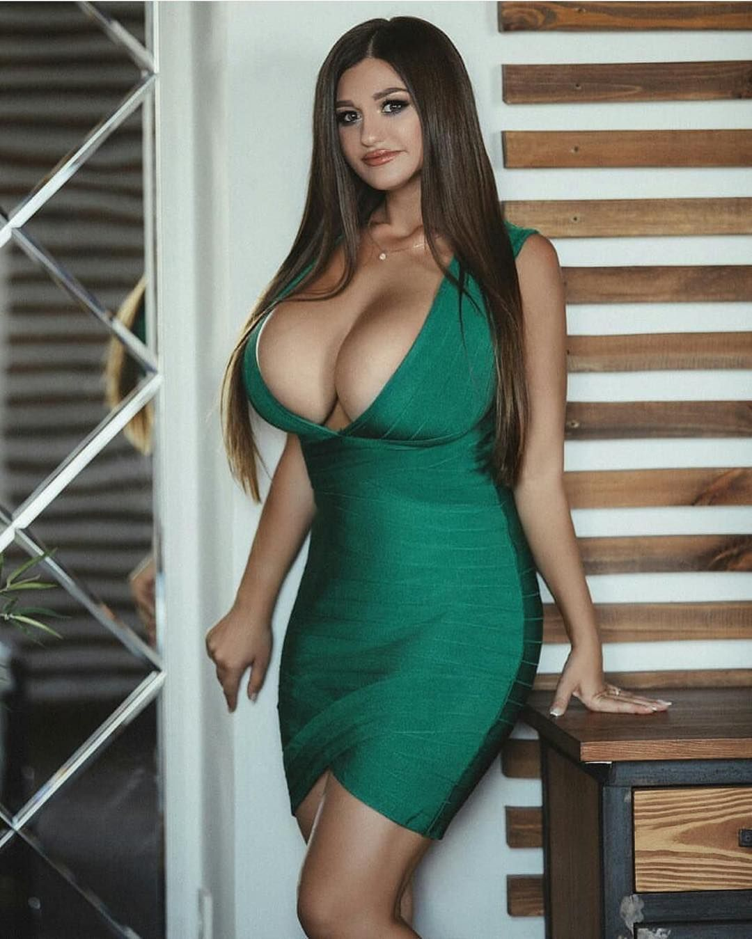 Most Flattering Outfits For Women With Large Breasts