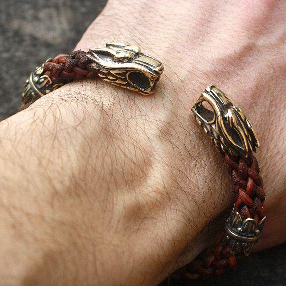 3abf40ac090e Têtes de loup de bronze à la main tressé fil Bracelet de cuir ...