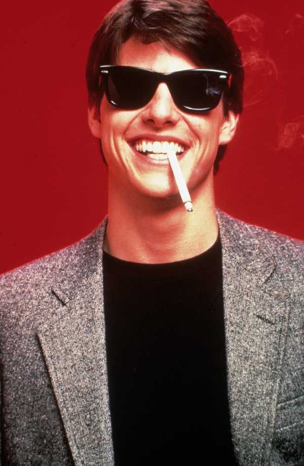 A young Tom Cruise in cultfilm Risky Business wearing the iconic Ray Ban Wayfarer. A look that keeps its cool.