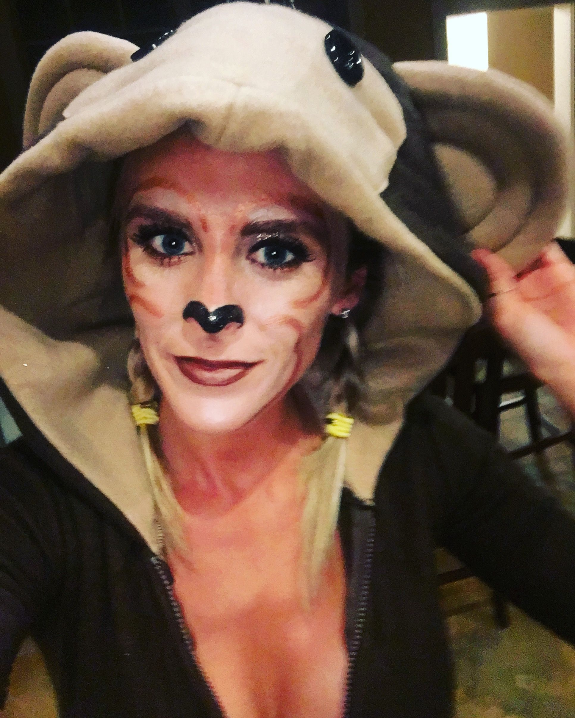 """There were no tutorials on """"cute monkey makeup"""" so I gave ... - photo#1"""