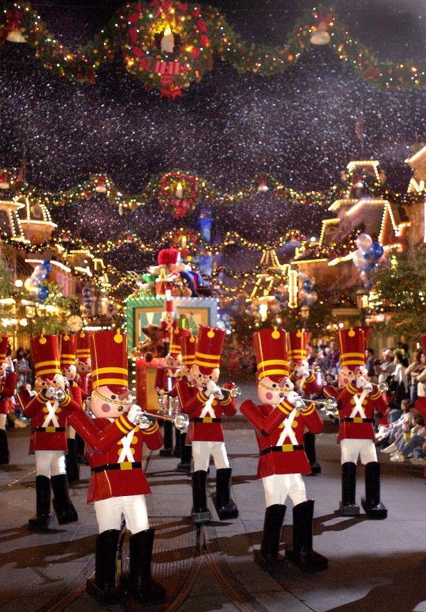 Mickey\u0027s Very Merry Christmas Party Returns To Magic Kingdom Park