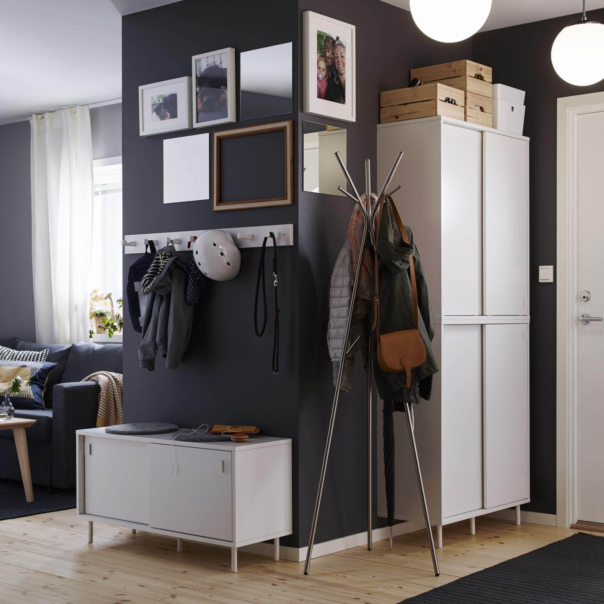 Mackap r bank met opbergvakken interiors ikea hack and for Armoire couloir design