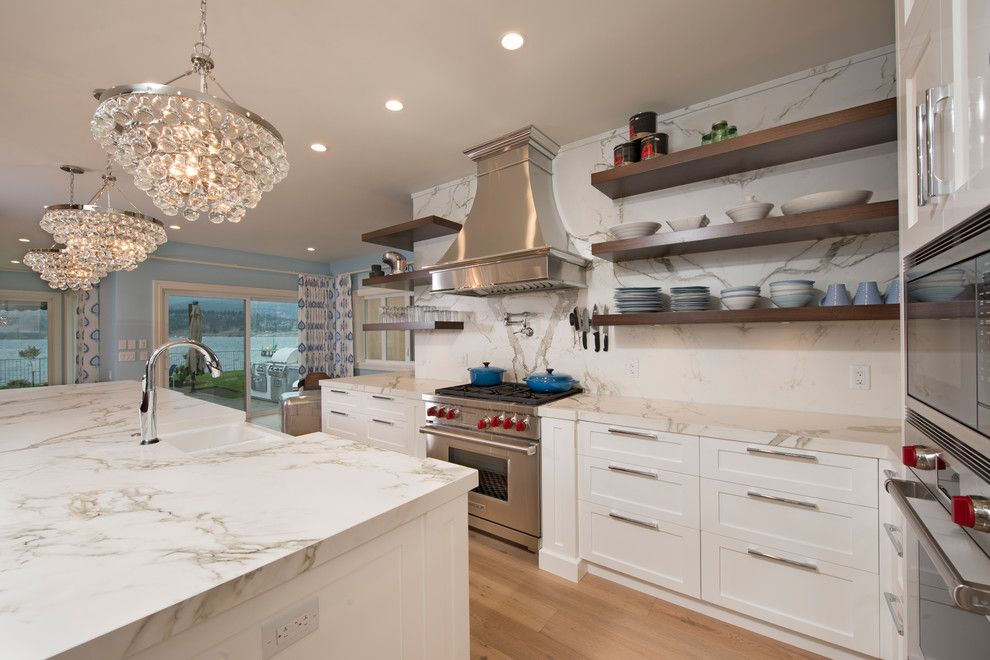 Dekton Aura looks magnificent in this American style #kitchen! A WOW ...