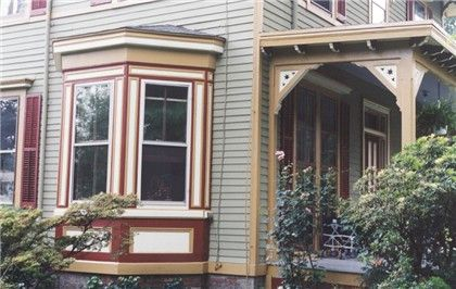 Victorian Italianate Bay Window Victorian Style Homes House Exterior Exterior House Color