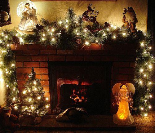 Decorazioni Natalizie Per Il Camino.Camino Addobbi Natalizi Caminetto Decorativo Mensole Del Camino Natalizie Caminetto Di Natale