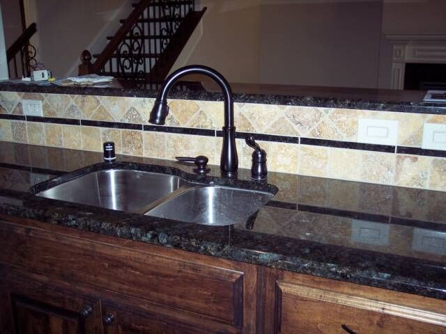 Kitchen Backsplash With Peacock Green Granite Google Search With Images Kitchen Redo