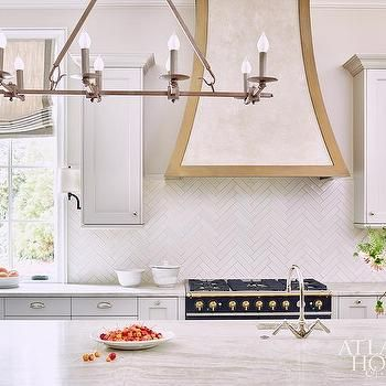 Black Kitchen Hood With Gold Trim Design Decor Photos Pictures Ideas Inspiration Paint Co Classy Kitchen White Herringbone Tile Interior Design Kitchen