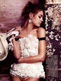 Natalia Vodianova by Mario Testino / Vogue UK 2009