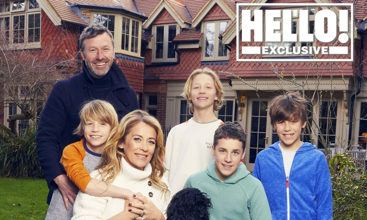 Sarah Beeny S New Life In The Country Meet Her Family New Life Sarah Life