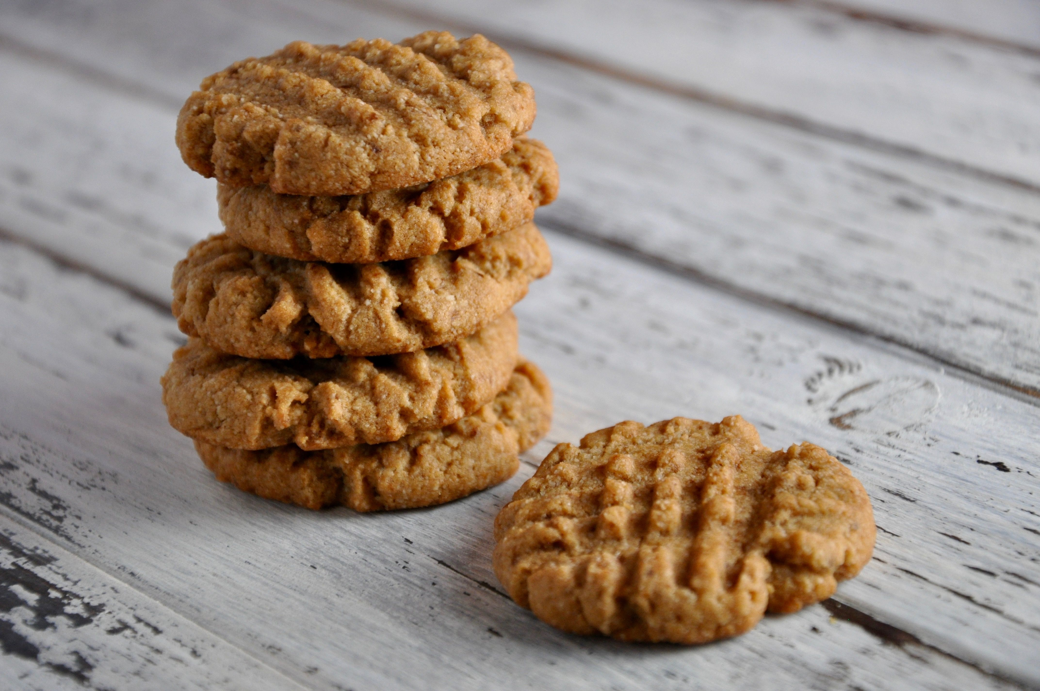 With a family as peanut butter obsessed as mine, it's important to have a really solid recipe for peanut butter cookies! This is by far the best grain-free version of peanut butter cookies that I've ever come up with. Which is why you'll never see me make a single batch…double batch or nothing! Peanut butter...