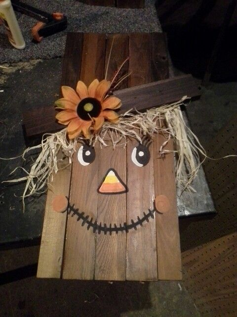 Wooden Scarecrow Face Diy My Diy Projects Scarecrow Face Fall