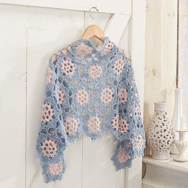 Plum Blossom Shawl pattern by Sandi Rosner | Ponchos, Chal y Ganchillo