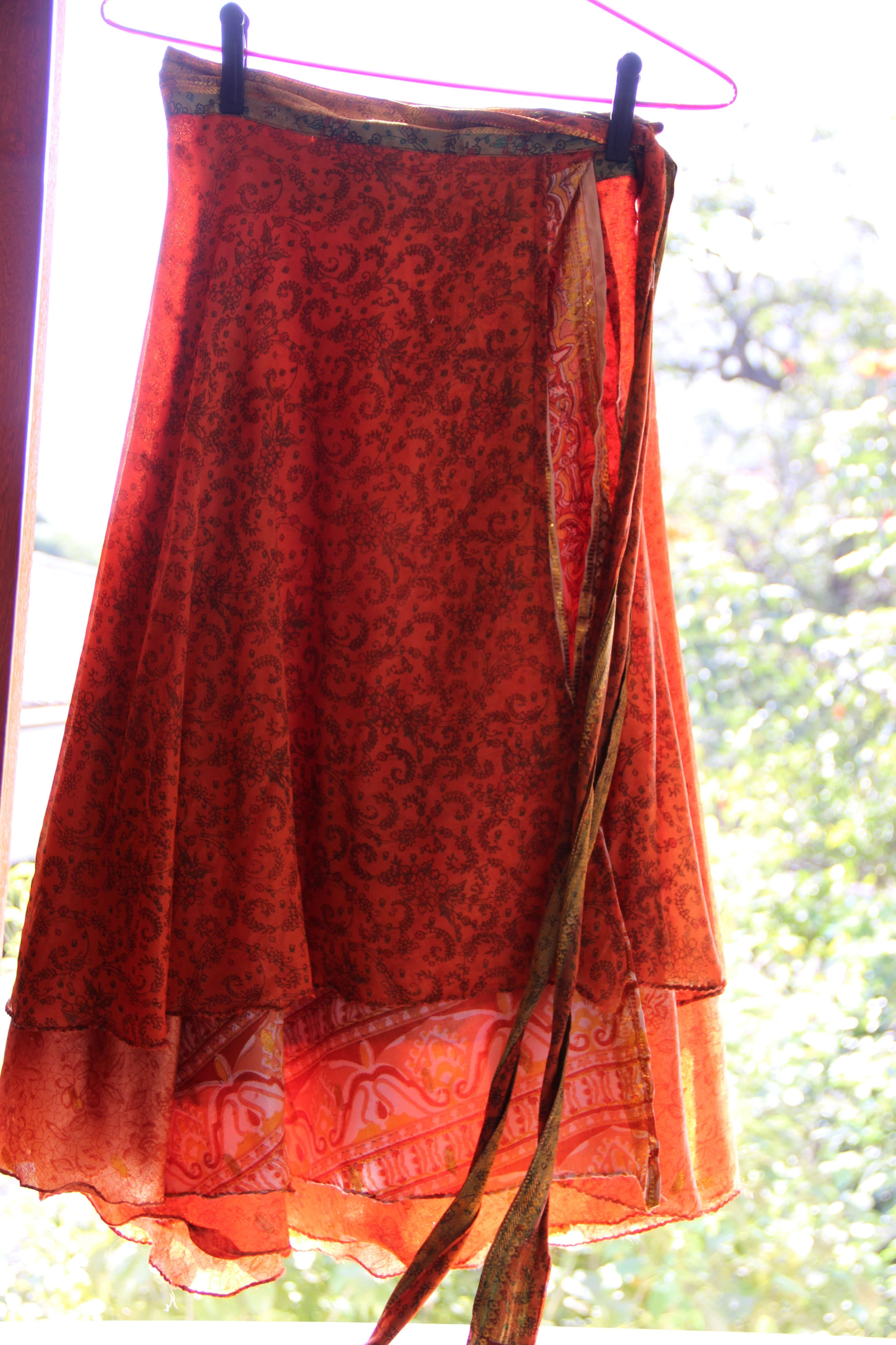 1ad442668 Saia ou vestido de seda indiana