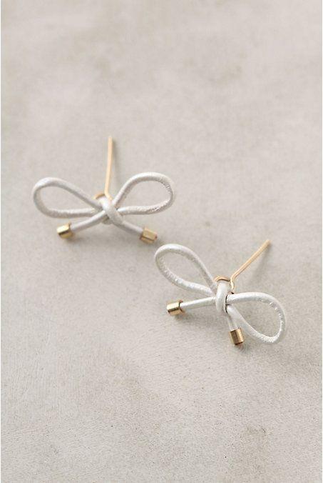 DIY Jewelry: Anthropologie Inspired Bow Earrings Tutorial...  https://diypick.com/fashion/diy-jewelry/diy-jewelry-anthropologie-inspired-bow-earrings-tutorial/