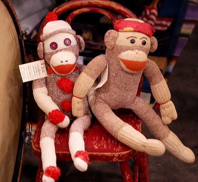 sock monkies -- cute, cute!!!  Love these guys...
