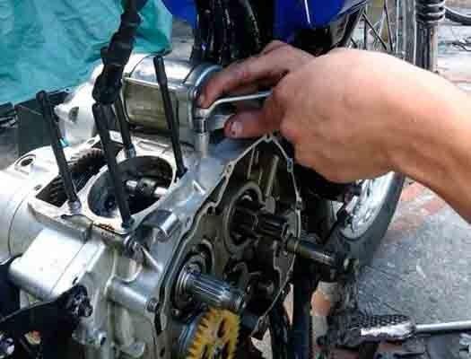 Mantenimiento Del Sistema De Refrigeración Mantenimiento Del Sistema De Lubricación Libros De Mecanica Automotriz Mecanica De Motos Sistema De Encendido