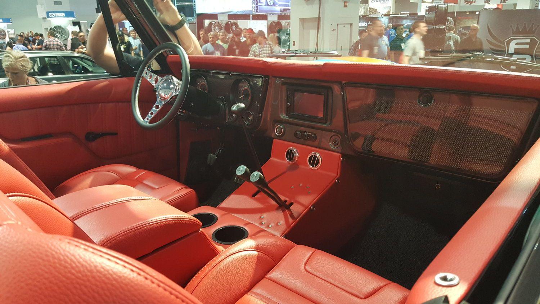 Sema Show 2017 First Gen K5 Blazer Custom Red Interior Sema Ck5 K5 K5blazer K5 Blazer Blazer Gm Trucks
