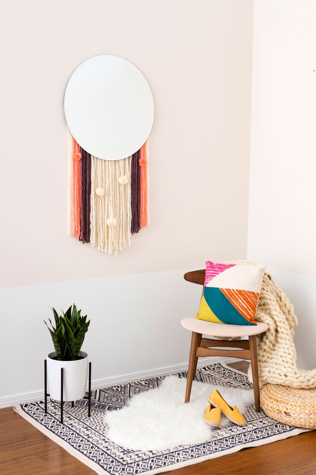 Boho Lovers, This DIY Statement Wall Hanging Mirror Is for