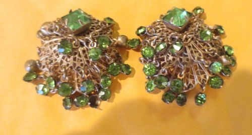 VNT-UNSIGNED-EARRINGS-MIRIAM-HASKELL-FILIGREE-EMERALD-GREEN-GLASS-RHINESTONES
