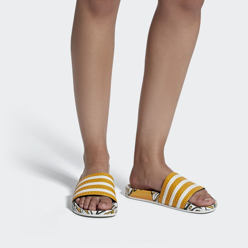 adidas Adilette Slides - Yellow