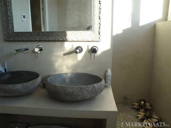 Wasbak Badkamer Natuursteen : Badmeubel van beton cire met natuurstenen wasbak badkamer
