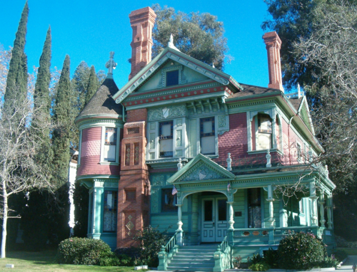 The Details And Chimneys On This Victorian House Are Outstanding Location Is Unknown But It S Called He Victorian Homes Victorian Style Homes Edwardian House