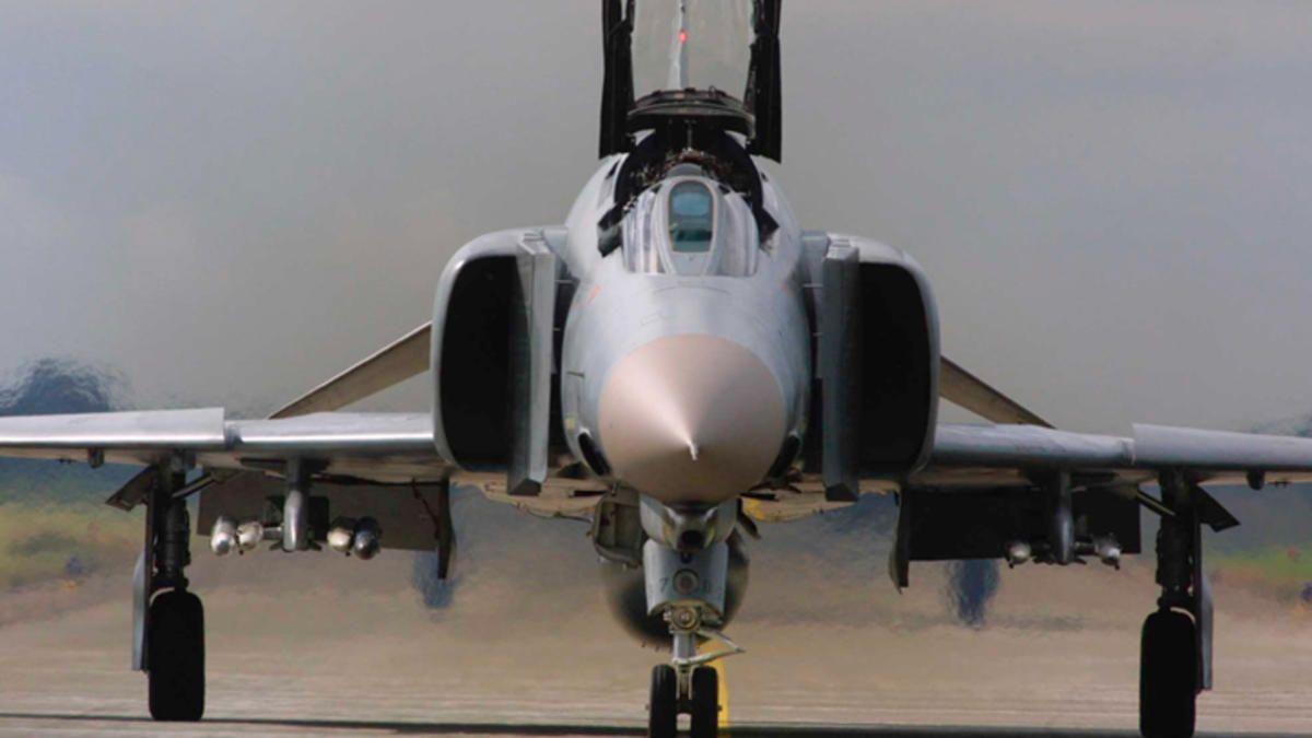Fighter jet sightings light up social media fighter jets
