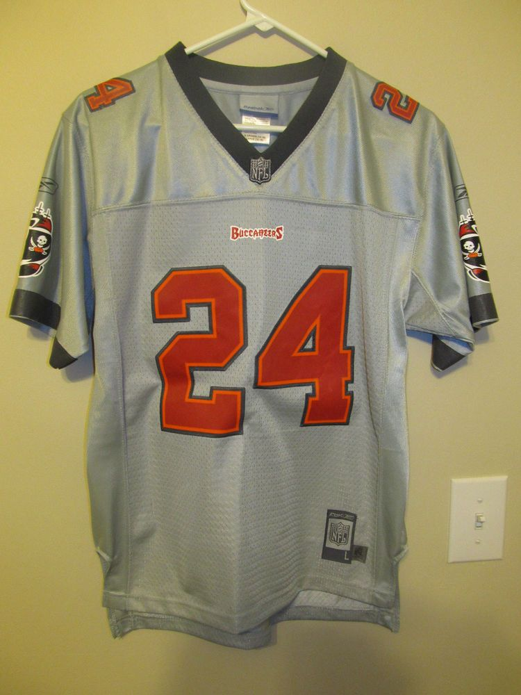 wholesale dealer 33e9d 9b212 Cadillac Williams - Tampa Bay Buccaneers Authentic Pewter ...