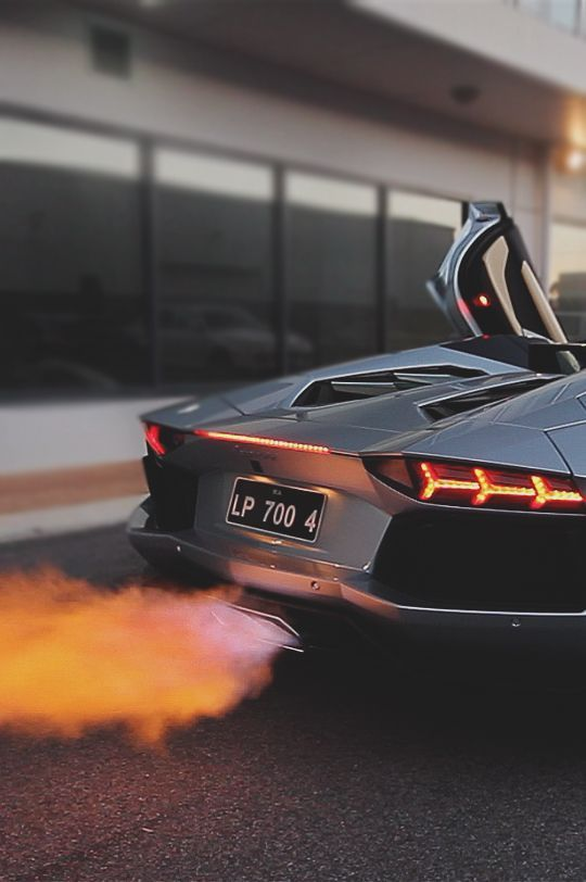 Lambo Aventador Ghost Driver!     Want more cars? Check out my face book page at https://www.facebook.com/pages/Cars-Fanatics/400966179995349  Thanks!