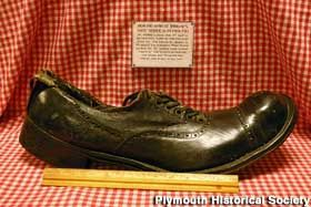 Robert Wadlow shoe, size 37, custom made for the World's Tallest ...