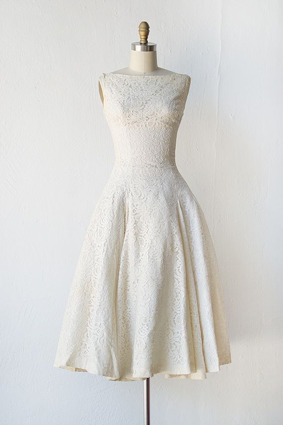 vintage 1950s cream lace tea length wedding dress I want this for my ...