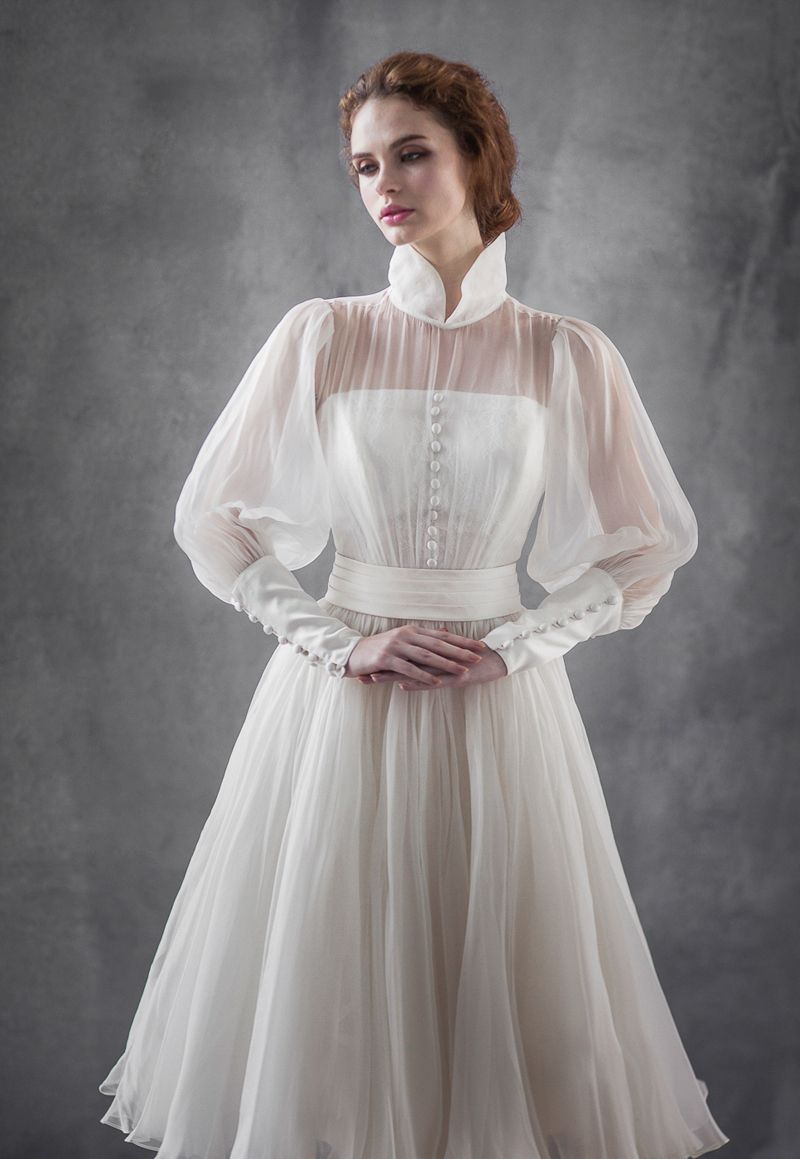 18 Vintage Inspired Puff Sleeve Wedding Dresses That Make A Timeless Statement Wedding Dress Sleeves Puff Sleeve Wedding Dress Soiree Dress [ 1159 x 800 Pixel ]