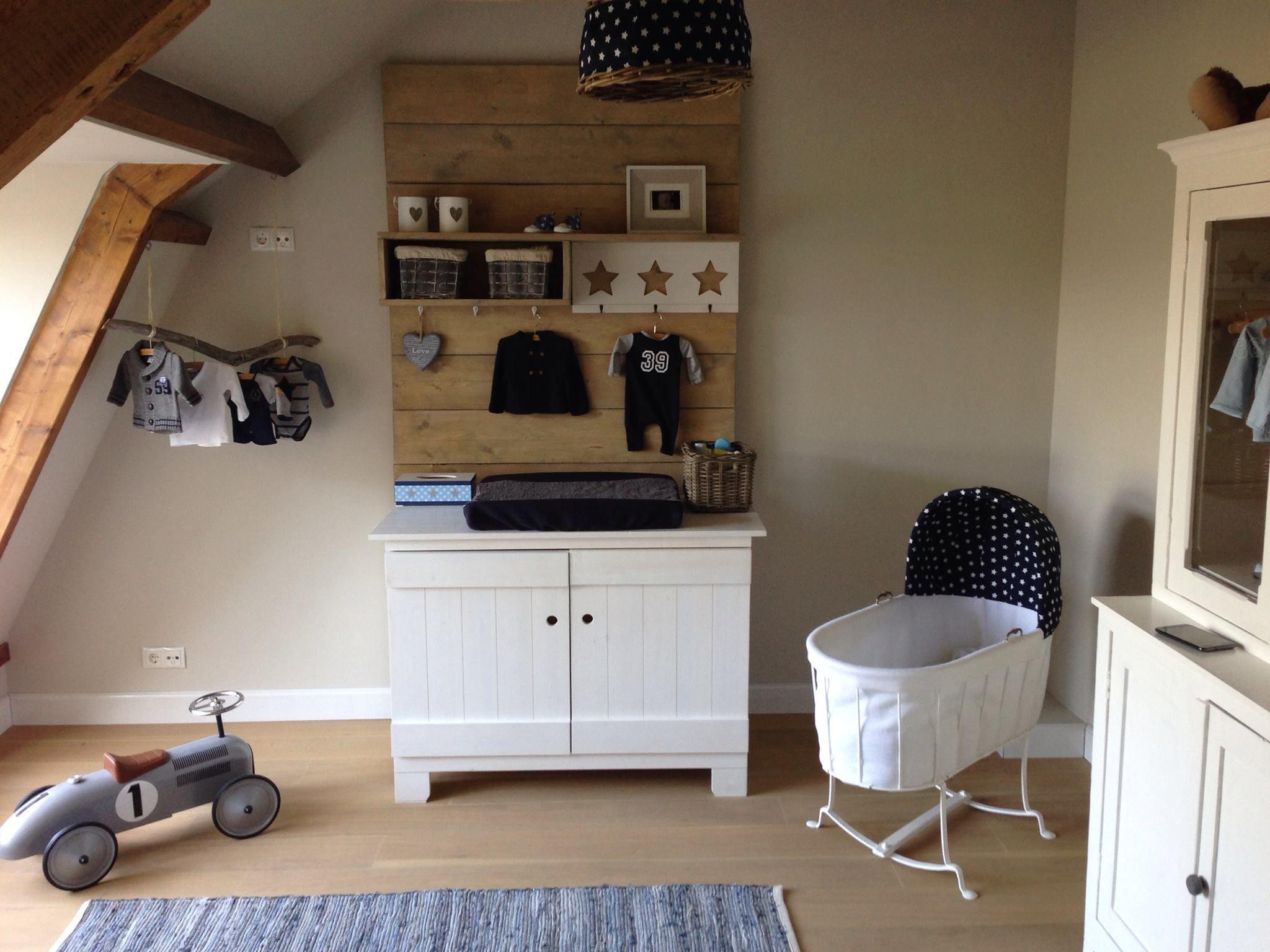 stoere landelijke babykamer met eigen stijl, door oude met nieuwe, Deco ideeën