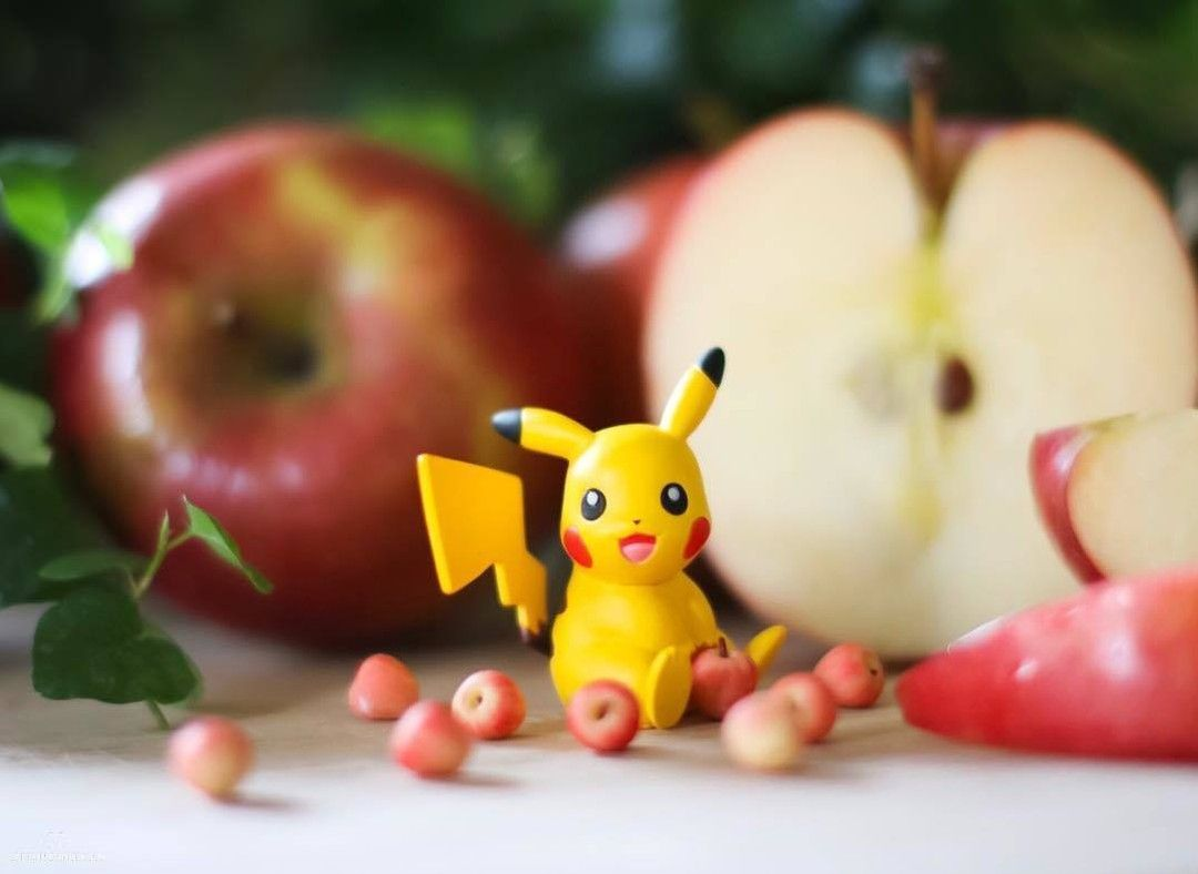 An apple a day keeps Pikachu healthy! -- Posted with permission from TOM Special Creator @captaindangerous