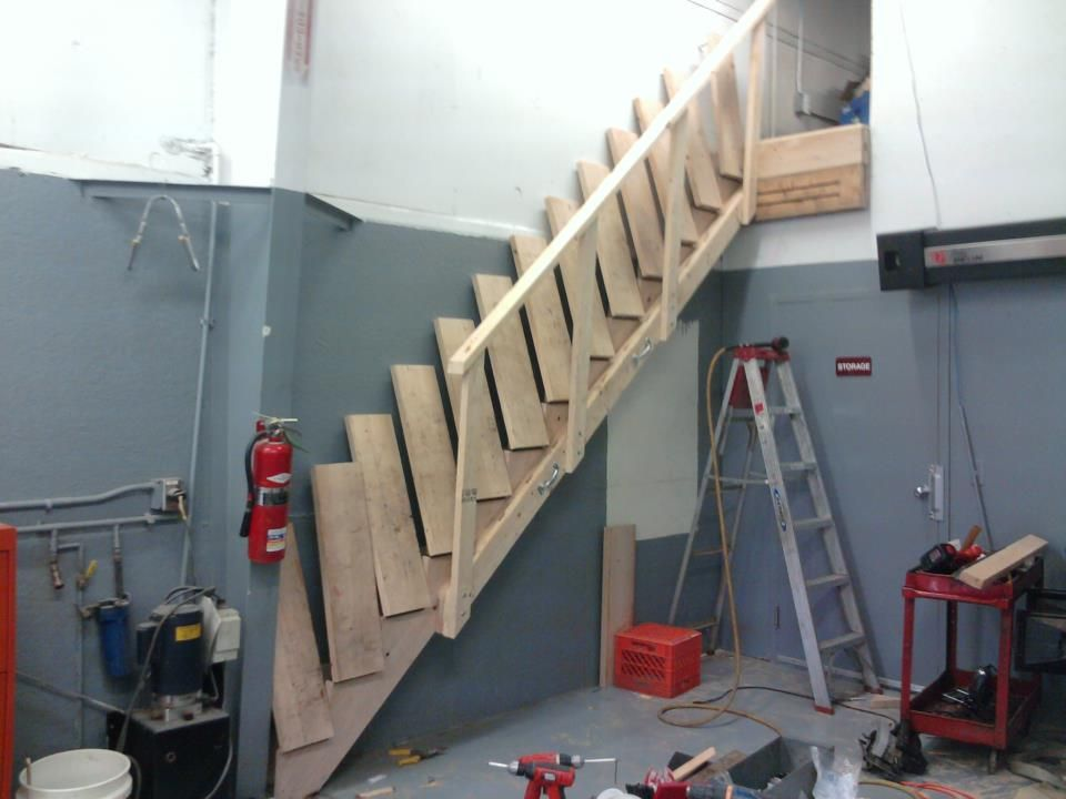 Best Collapsible Stairs Tiny House Living Stairs House Stairs 400 x 300