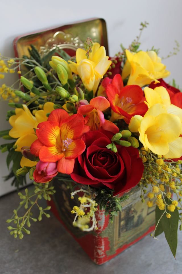 I love these orange red and yellow flowers center of attraction i love these orange red and yellow flowers mightylinksfo