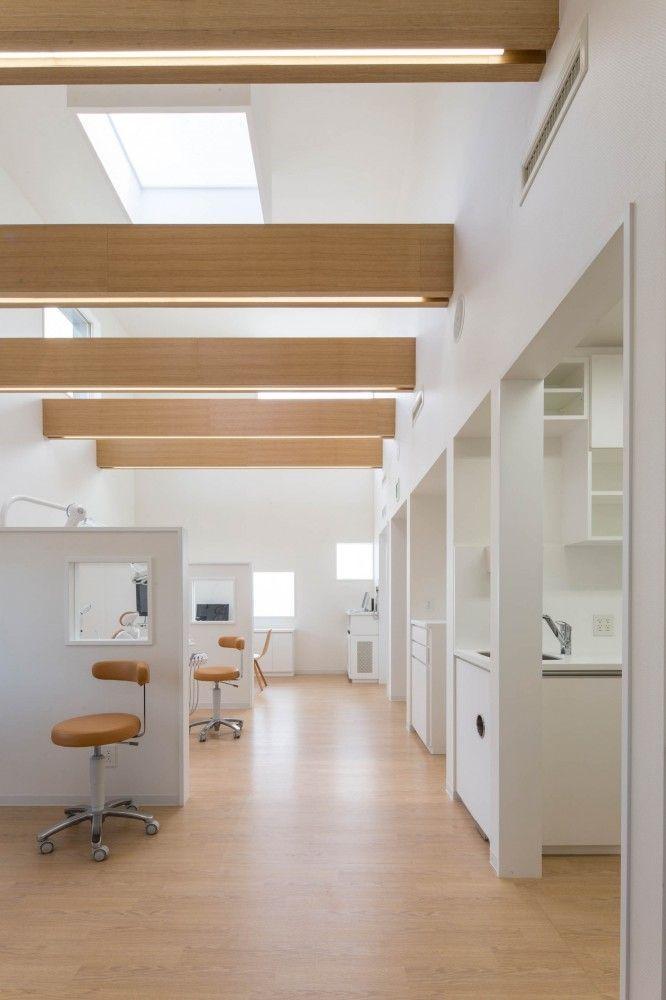 Gallery of yokoi dental clinic iks design msd office 3 classroom ideas dental office for Dental clinic interior design concept