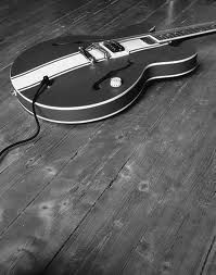 tom delonge guitar guitars tom delonge toms and tom delonge guitar