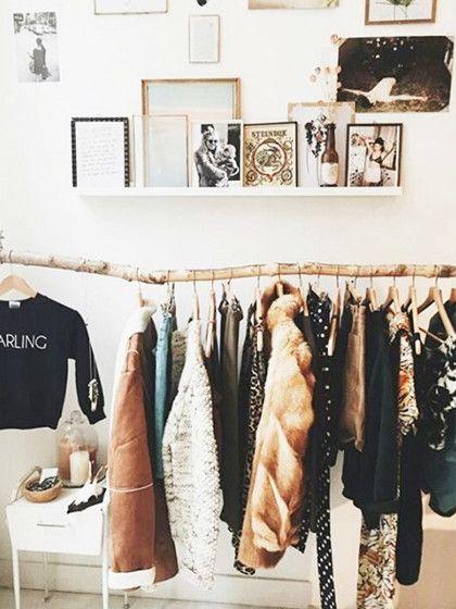 kleiderstange und bilderboards sch ne einrichtungsidee f rs wg zimmer einrichtung wgzimmer. Black Bedroom Furniture Sets. Home Design Ideas