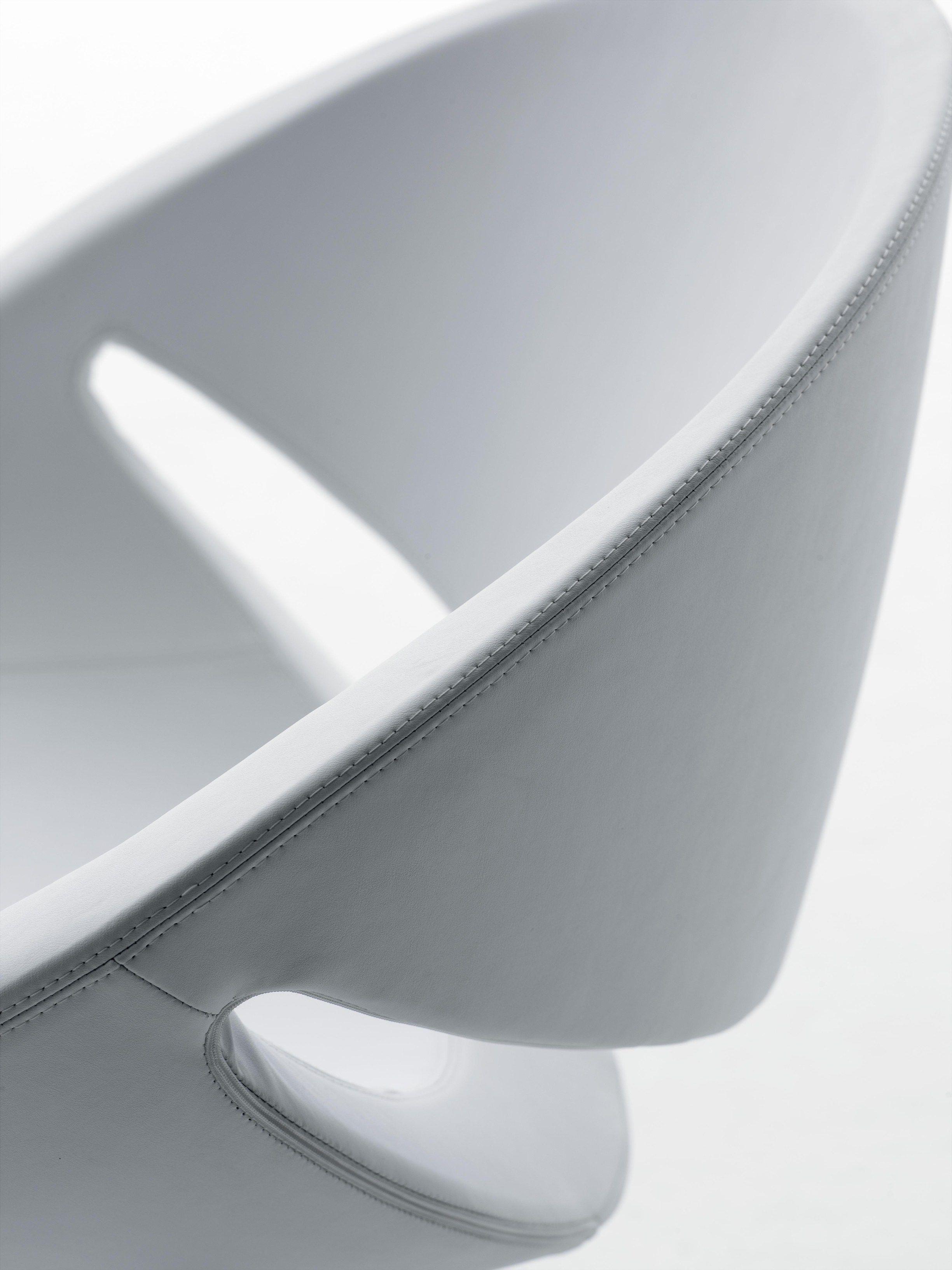 MYA Poltroncina girevole by Ares Line design Giovanni Baccolini