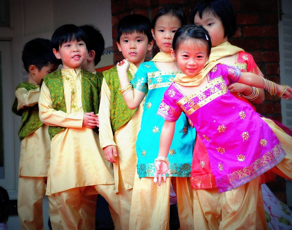 Singapore Traditional Dress For Kids Google Search Singapore