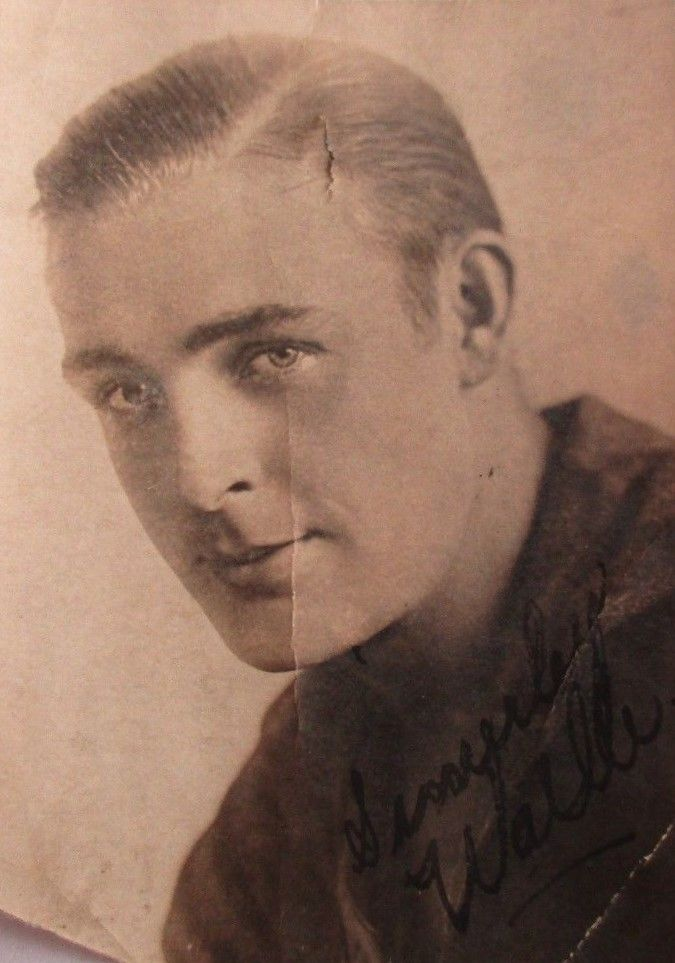 Great photo card of Wallace Reid where someone signed Sincerely Wallie, he never signed Wallie this is not even close
