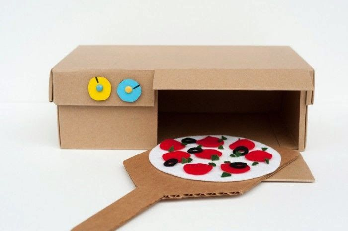 Shoebox Pizza Oven Toy http://madebyjoel.com/2014/01/diy-shoebox-pizza-oven-toy.html
