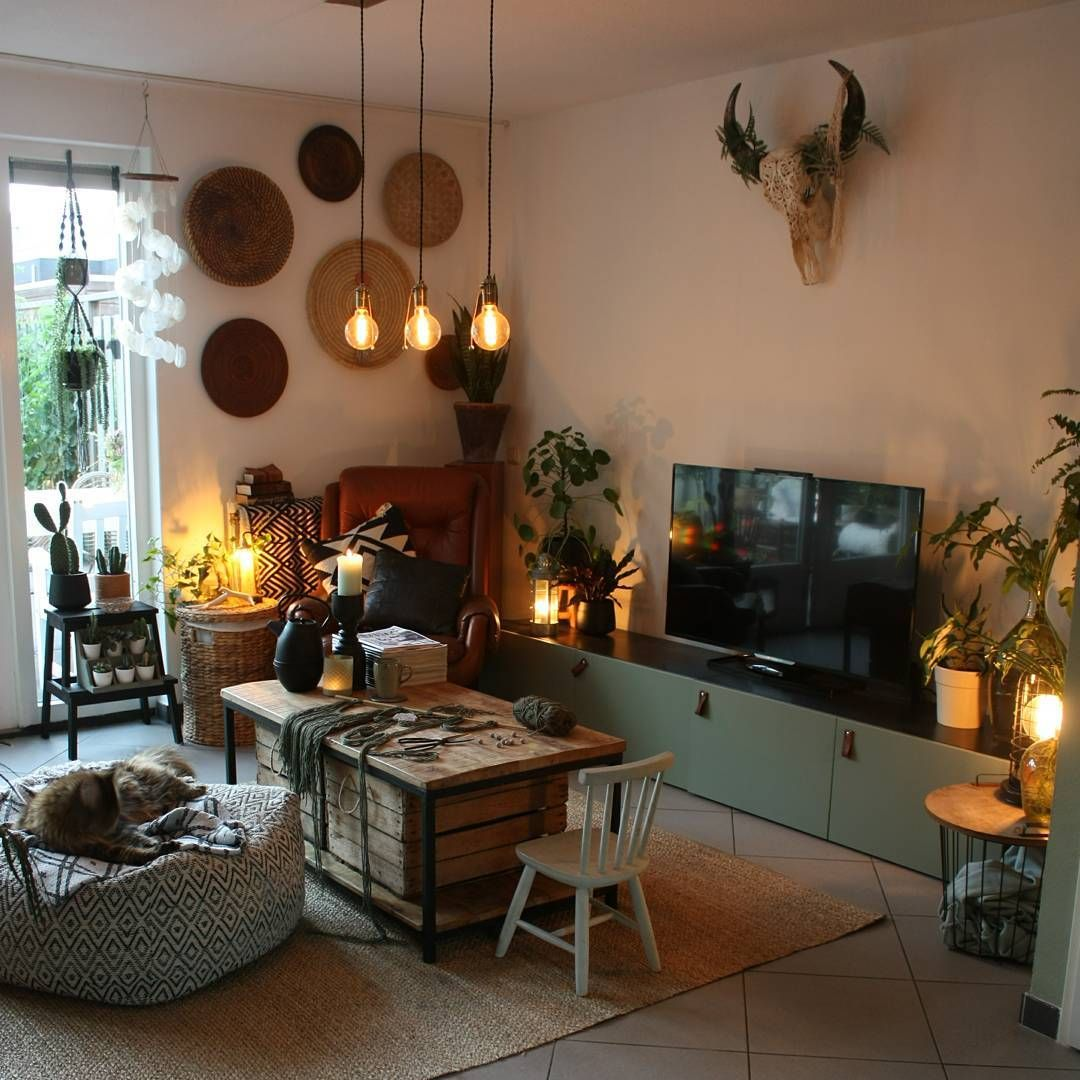 Eclectic Teen Room Interior: Bohemian Eclectic Livingroom. Home Decor, Boho Chic, Cozy