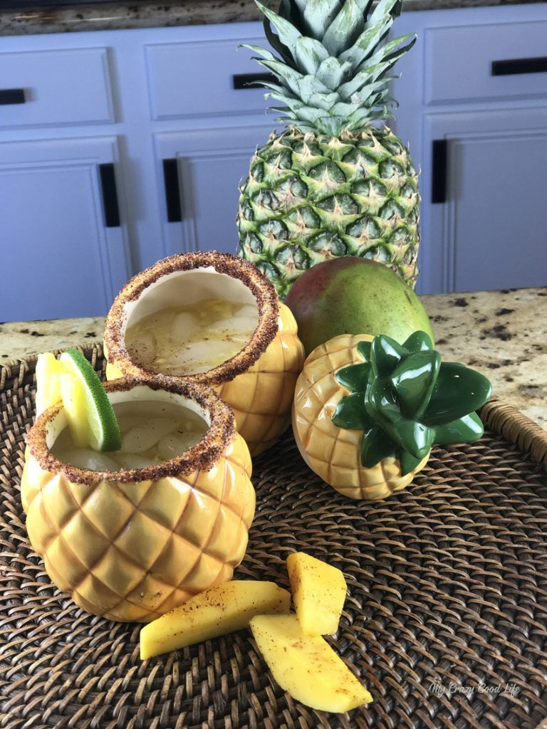 Pineapple Champagne Margarita cocktail recipe #cocktails #